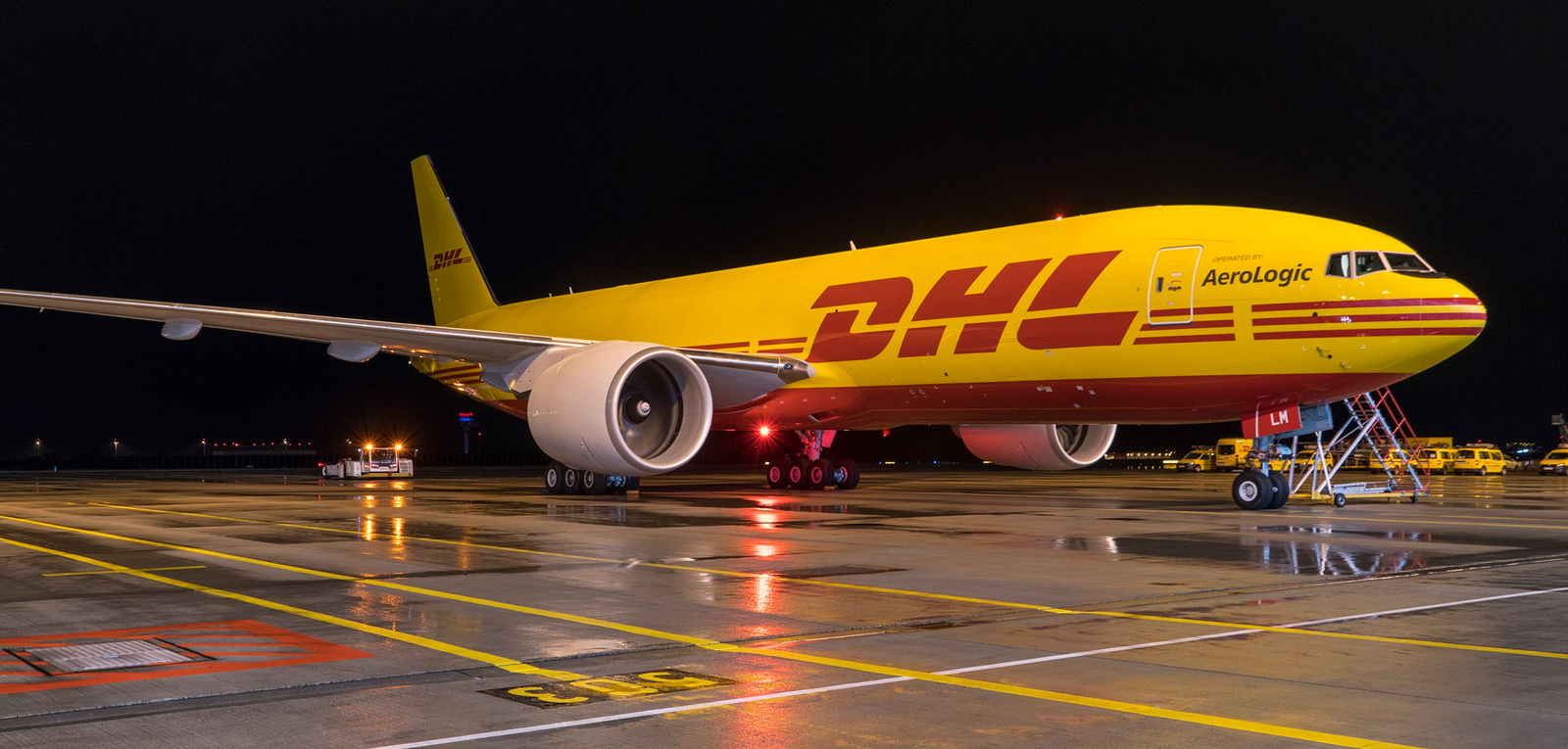 DHL is one of the shipping companies that Shiplink cooperates with. It is easy to send packages with DHL through our shipping service. You get a fixed price for your shipment. We take care of all the practicalities so that you have time for other things!